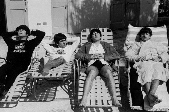 Lounging-around-the-beatles-14636436-553-369